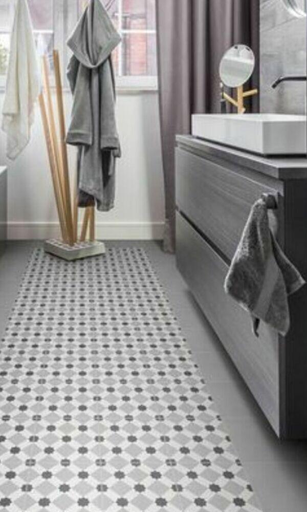 Carrelage en carreaux ciment pour salle de bain | Charmes ...